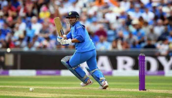 बल्लेबाजी के इस रिकॉर्ड में इन 2 विकेटकीपर्स से पीछे हैं धोनी, जानिए डिटेल