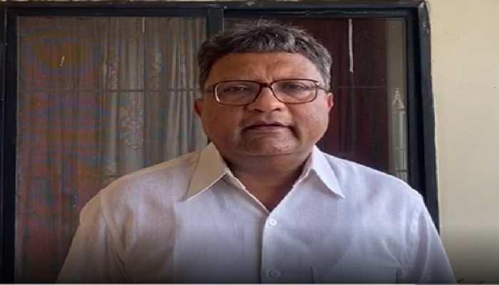 CG: नक्सलियों को ट्रैक्टर सप्लाई करने के आरोप में  BJP जिला उपाध्यक्ष गिरफ्तार, प्रदेश की सियासत गरमाई