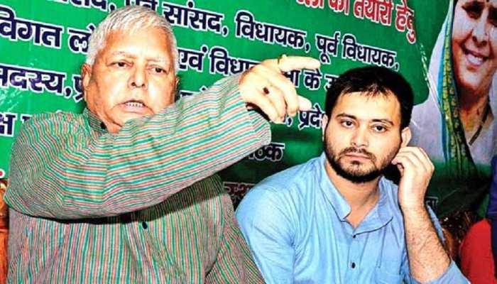 लालू परिवार की संपत्ति पर थम नहीं रहा सियासी घमासान, सुशील मोदी के दावे पर RJD-कांग्रेस ने किया पलटवार