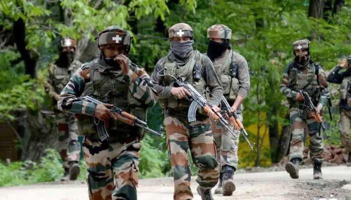 जम्मू-कश्मीर: सिक्योरिटी फोर्सेज़ ने 2 ऑपरेशन्स में ढेर किए 8 दहशतगर्द
