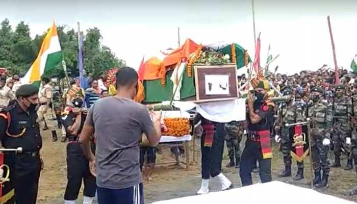 बिहार: शहीद कुंदन कुमार को दी गई नम आंखो से दी गई विदाई, 6 साल के बेटे ने दी मुखाग्नि