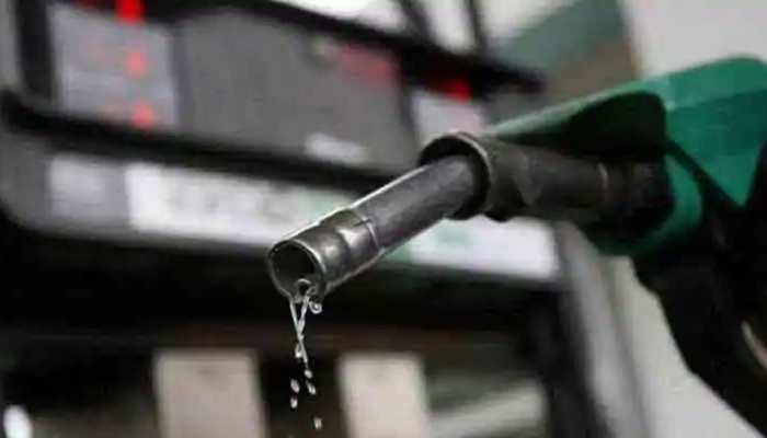 कोरोना संकट के बीच लगातार 16वें दिन बढ़े पेट्रोल-डीजल के दाम, जानें क्या है नया रेट