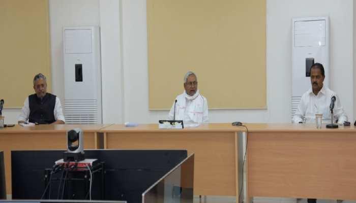 CM नीतीश ने फ्लड प्रोटेक्शन कार्यों की समीक्षा, अधिकारियों को दिए अहम निर्देश
