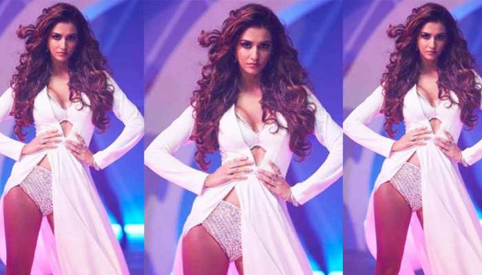 Apart from bikini, hot pants, see some different photos of Disha Patani