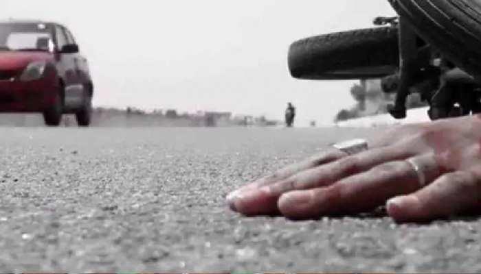 गौतमबुद्धनगर: ईस्टर्न पेरिफेरल हाइवे पर भीषण सड़क हादसा, 1 की मौत, 4 घायल
