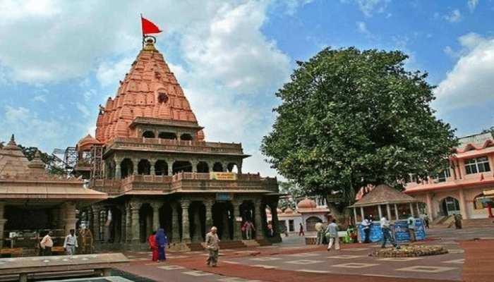 नारू खान ने महाकाल मंदिर को दान की ऑटोमेटिक घंटी, हाथ से बजाने की नहीं पड़ती जरूरत
