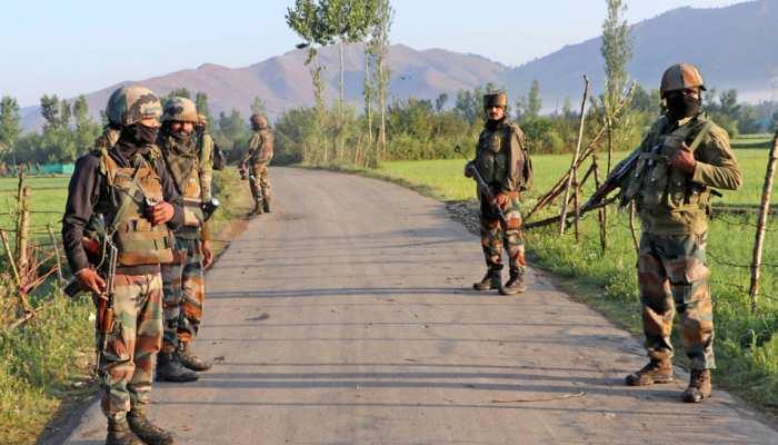 कश्मीर: अनंतनाग में आतंकियों और सुरक्षाबलों के बीच मुठभेड़, 2 आतंकी ढेर