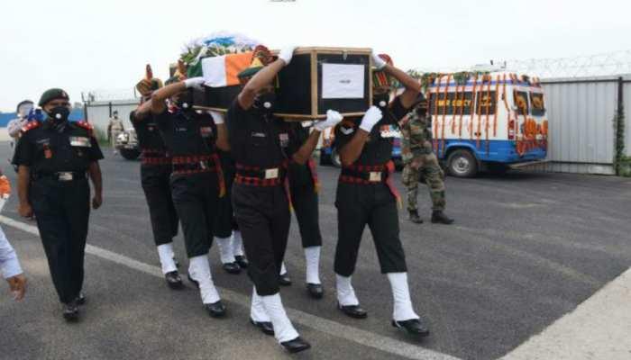 झारखंड: शहीद जवानों का हिंदू रीति-रिवाज से हुआ श्राद्धकर्म, ब्राह्मण-दिव्यांगों को कराया गया भोज