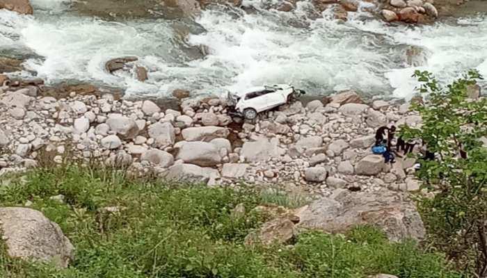 टिहरी में दर्दनाक सड़क हादसा: 500 मीटर गहरी खाई में गिरी कार, 3 की मौत