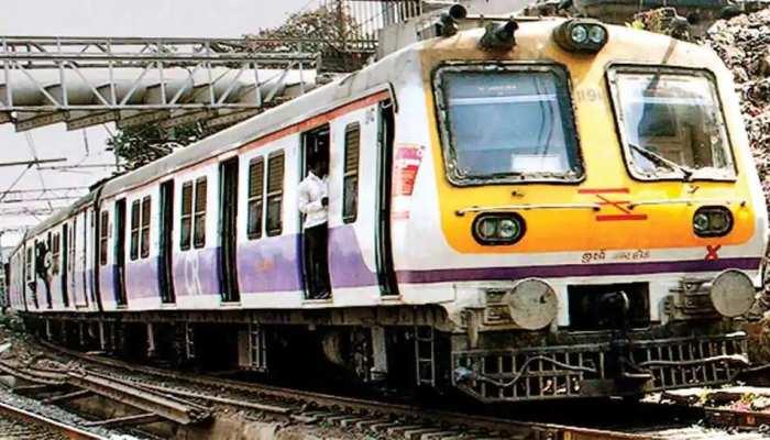 मुंबई में आज से चलेंगी 350 लोकल ट्रेनें, जानें कौन कर सकेगा यात्रा