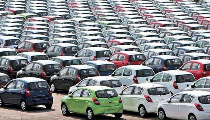 कार कंपनियों की बिक्री में आई तेजी, फिर भी पिछली बार 50% से ज्यादा गिरावट