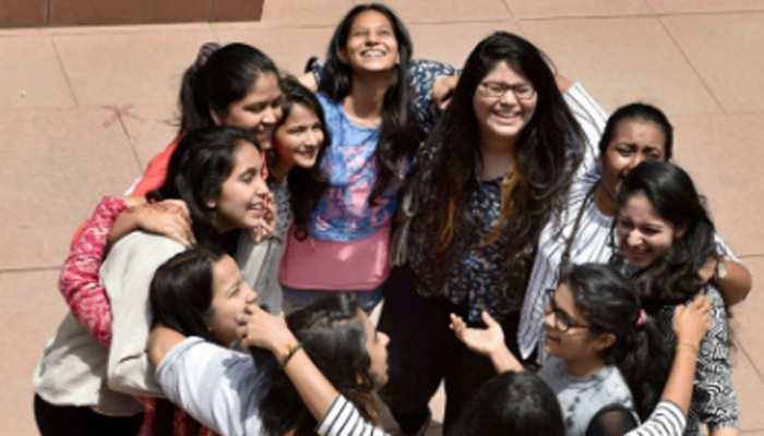 MP Board 10th Result 2020 Declared: एमपी बोर्ड 10वीं की परीक्षा में लड़कियों ने मारी बाजी