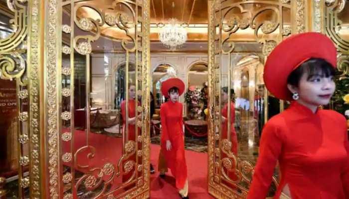 वियतनाम में खुला 'गोल्ड' से बना दुनिया का पहला होटल, जानें क्या है ठहरने का रेट