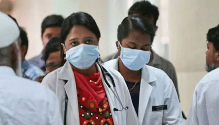 नर्सों और हेल्थकेयर वर्कर्स को PPE किट देने का मामला: दिल्ली हाई कोर्ट में कल होगी सुनवाई