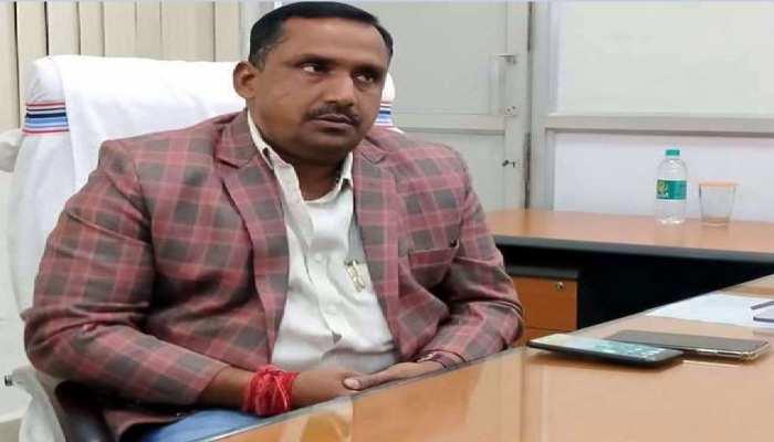 झारखंड: सरकारी बंगले पर नहीं थम रही बयानबाजी, कांग्रेस ने BJP को दी नैतिकता की नसीहत