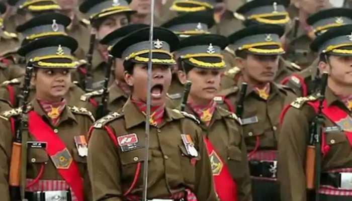 सेना में महिला ऑफिसरों के स्थाई कमीशन के मामले में SC ने केंद्र को दी राहत