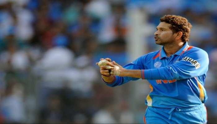 सचिन तेंदुलकर ने गेंदबाजी में भी दिखाए हैं कमाल, जानिए वनडे में उनका ये रिकॉर्ड