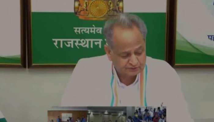 बकरा मंडी की तरह विधायकों की बोली लगा रही है BJP: CM अशोक गहलोत