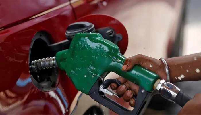 12 दिन के बाद डीजल की कीमतों में फिर बढ़ोतरी, पेट्रोल के दाम स्थिर; जानें नए रेट