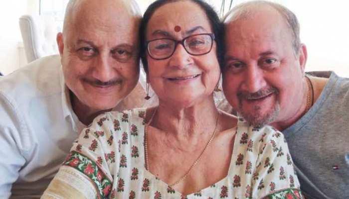 अनुपम खेर ने कहा- 'मां को नहीं बताया गया है कि वह कोरोना पॉजिटिव हैं'