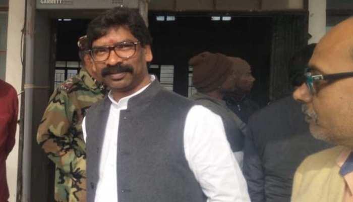झारखंड में चल रही घर से 'सरकार', मंत्री घरों से निपटा रहे सरकारी फाइल