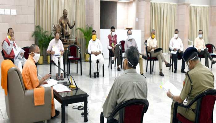 CM योगी ने की अनलॉक व्यवस्था की समीक्षा, लखनऊ समेत 4 जिलों में सतर्कता बरतने के निर्देश