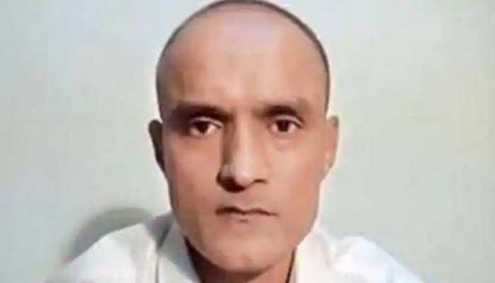 झुक गया PAK, कुलभूषण जाधव को दिया कॉन्सुलर एक्सेस, 2 भारतीय अधिकारी मिले