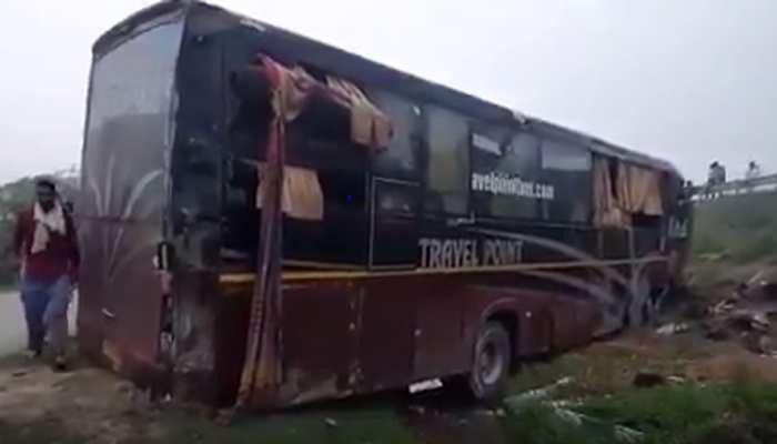 कन्नौज: आगरा-लखनऊ एक्सप्रेस-वे पर भीषण हादसा, 6 की मौत, 20 घायल