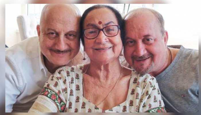 Anupam Kher की 85 साल की मां ने दी कोरोना को मात, जानें भाई-भतीजी का हाल