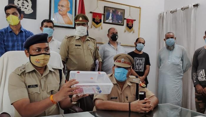 संभल: ATM लूटने वाले अंतरराज्यीय गिरोह के 4 सदस्य गिरफ्तार, 3 बता रहे थे खुद को पत्रकार