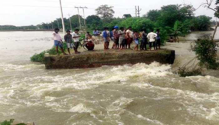 रोजगार के लिए शहर वापसी को तैयार प्रवासी श्रमिक, बिहार में बंदी-बाढ़ बनी समस्या
