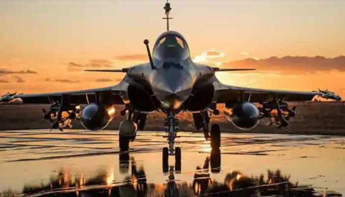 5 रफाल विमान UAE पहुंचे, लद्दाख में हो सकते हैं तैनात