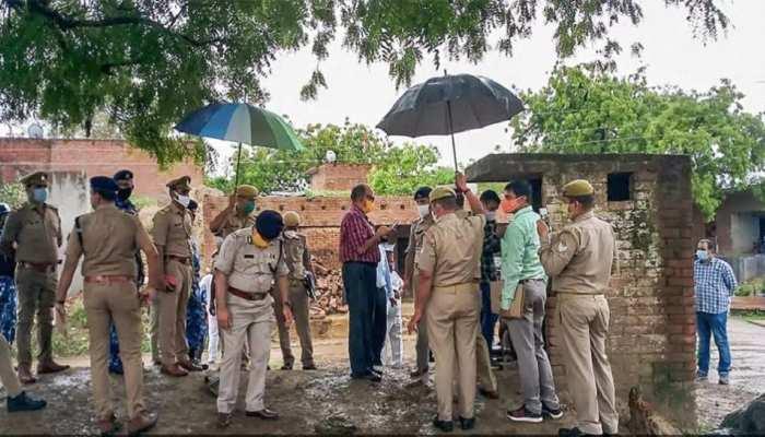 कानपुर हत्याकांड में संदिग्ध भूमिका रखने वाले पुलिसकर्मियों के खिलाफ SIT जांच शुरू