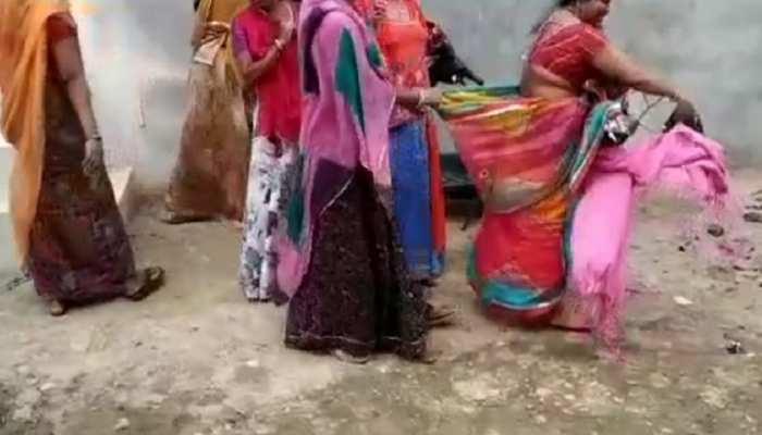 जोधपुर: देह व्यापार के संदेह में महिलाओं से पिटाई, बीच सड़क फाड़े कपड़े