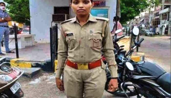 मास्क ना पहनने पर महिला सिपाही ने लगाई दारोगा को फटकार, IPS ने जमकर की तारीफ