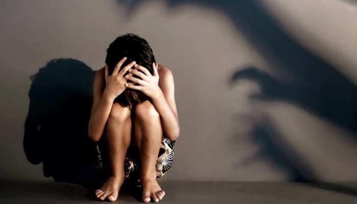 नोएडा: शराबी पिता की हैवानियत, अपनी ही 13 साल की बेटी से कई बार किया रेप