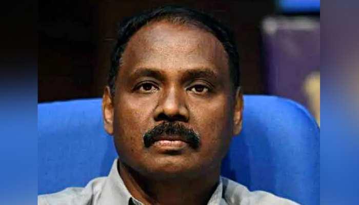 जम्मू-कश्मीर के गवर्नर गिरीश चंद्र मुर्मू ने अपने ओहदे से दिया इस्तीफा
