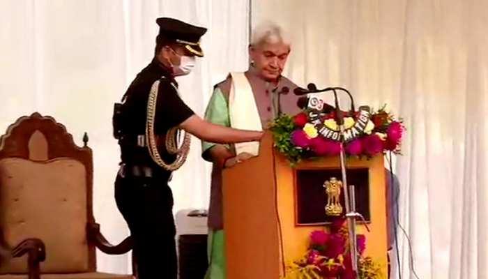 मनोज सिन्हा ने लिया जम्मू-कश्मीर लेफ्टिनेंट गवर्नर के ओहदे का हलफ