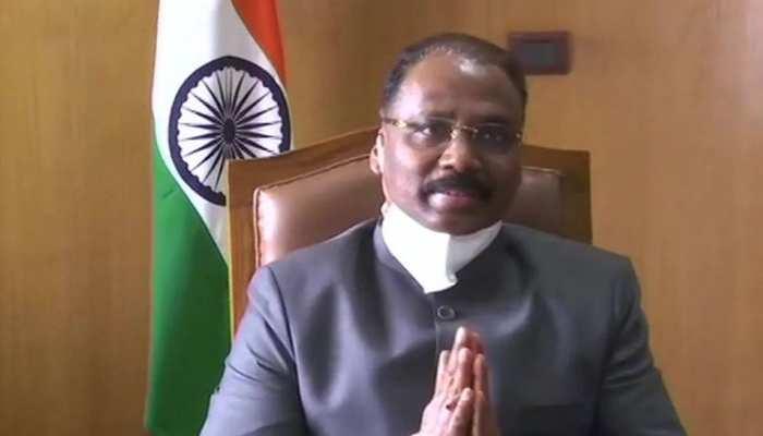 देश के नए CAG बने गिरीश चंद्र मुर्मू, राष्ट्रपति रामनाथ कोविंद ने दिलाई शपथ