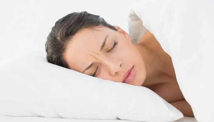 नींद नहीं हुई पूरी तो खुद को ही खाने लगेगा आपका दिमाग, हो जाएंगे इन बीमारियों के शिकार