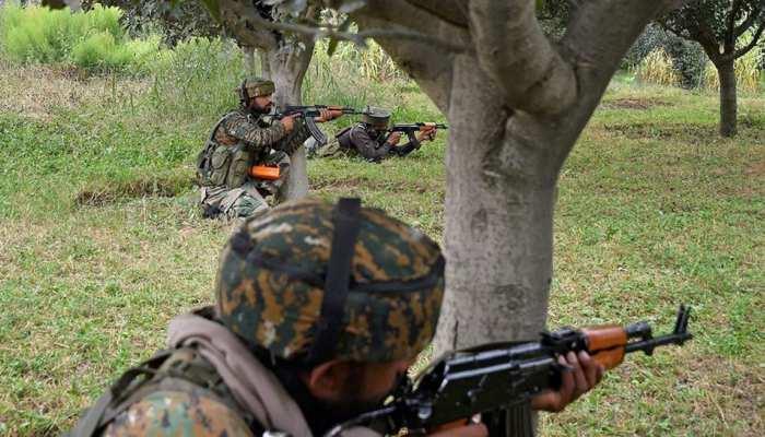 J&K: पुलवामा एनकाउंटर में सेना ने एक आतंकी को किया ढेर, एक जवान भी शहीद