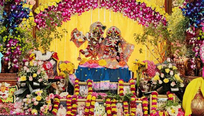 Krishna Janmashtami's boom across the country, see today's most special pictures