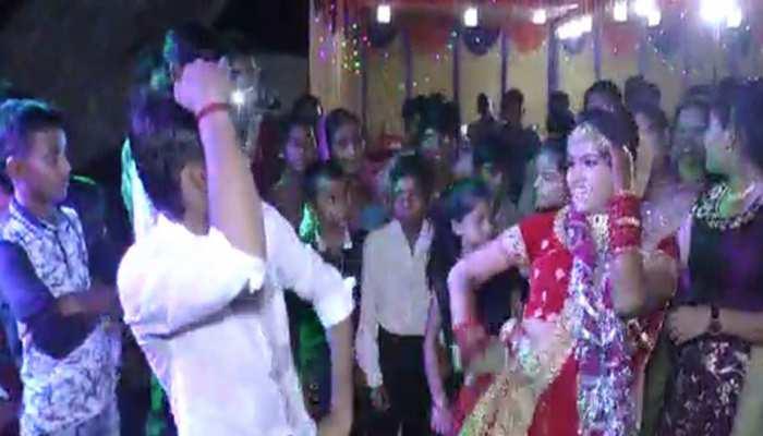 बिकरू कांड: विकास दुबे के खास गुर्गे अमर ने की थी नाबालिग खुशी से शादी! वकील ने कोर्ट में पेश किए डॉक्यूमेंट
