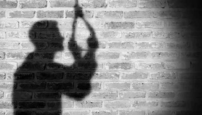 नोएडा: लड़की से झगड़ा बना बड़ी वजह, 22 वर्षीय मॉडल ने फांसी लगाकर दी जान