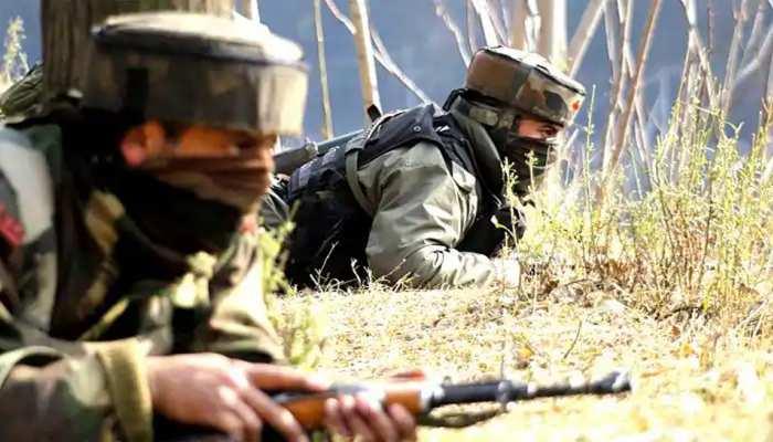 श्रीनगर: दहशतगर्दों ने किया सिक्योरिटी फोर्सेज़ पर हमला, 2 पुलिस अहलकार शहीद