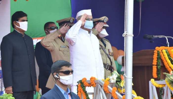 CG: CM बघेल ने स्वतंत्रता दिवस पर किया ध्वजारोहण, प्रदेशवासियों को दी ये सौगातें