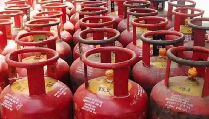 बढ़ती महंगाई के बीच मिलेगी खुशखबरी! सस्ती हो सकती है रसोई गैस और CNG