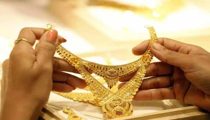सोना एक बार फिर 54,000 रुपये के करीब, देखिए सर्राफा बाजार में क्या है रेट