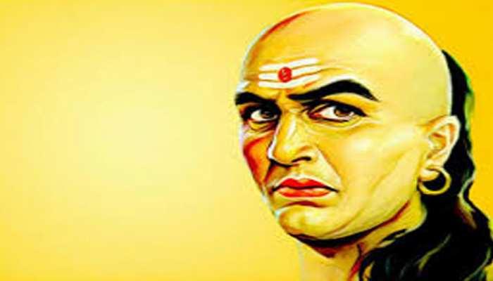 Chanakya Niti: पशु-पक्षियों से ये 5 गुण जरूर सीखें, मिलेगी अपार सफलता