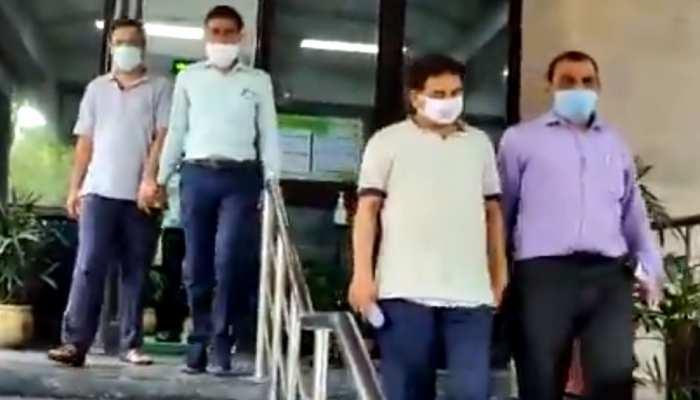 फर्जी कंपनी बनाकर AAP को 2 करोड़ का चंदा देने के आरोप में दो कारोबारी गिरफ्तार